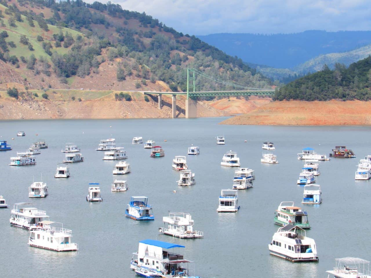 Lots of houseboats docked at Lake Oroville.